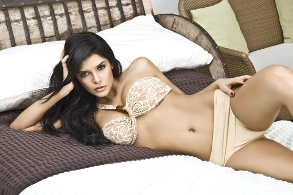 image Mujer hermosa en programa de tele