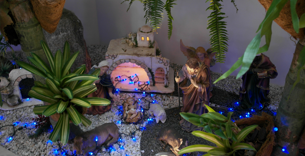Como hacer nacimientos navideos for Como decorar un belen de navidad