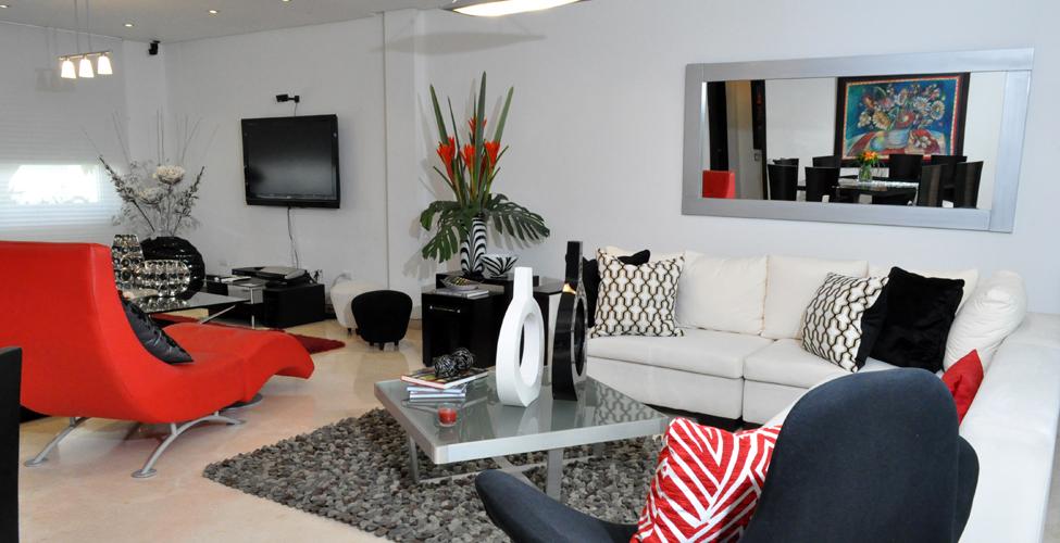 Modernidad y confort al interior de un hogar revistas for Galerias de muebles medellin la 80
