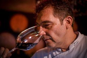 La fase olfativa le permite a los apasionados del vino tener mayor información sobre sus características.