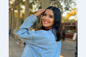 Cristina Amortegui  es muy risueña y espontánea. Durante su estadía en España cursó un semestre de su carrera.