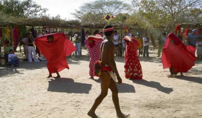 Archivo particular, History Travelers y Alcides Escobar